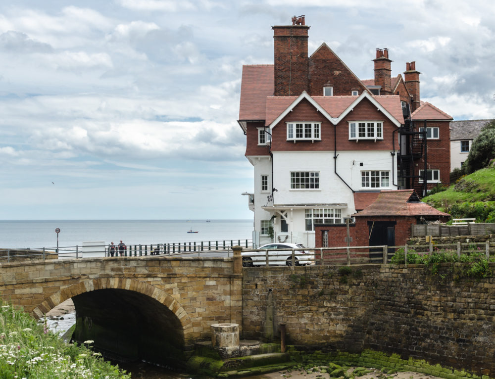 2 Pearls of Yorkshire: Robin Hood's Bay & Scarborough